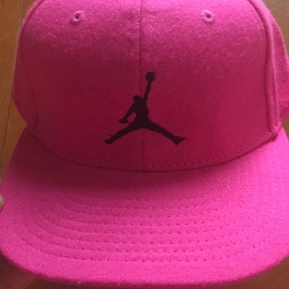 Hot pink Jordan baseball cap size 4-7 a48b0510f9d2
